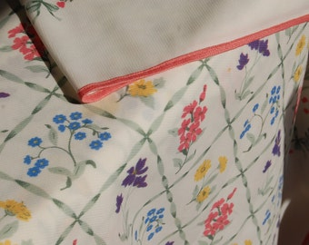 Vintage Flowered Tablecloth,  60's Tablecloth, polyester cloth, Kitchen Decor, Shabby Chic Table Cloth