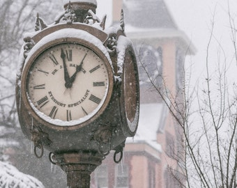 Historic Baxter's Clock and Snow | Downtown New Bern, NC