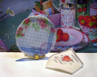 GreenGate Miniature plate for Dollhouse 1:12 scale