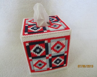 needlepoint boutique tissue box cover on plastic canvas