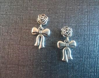 Beautiful Magnetic Dangle Bow Earrings!