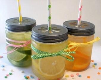 SALE 20% - 6 Large Plastic Mason 17 oz Jars with Daisy Cut Lid - Unbreakable Drinking Jar Parties