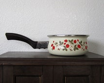 Vintage Sheffield Enamelware Strawberries 'n Cream Saucepan
