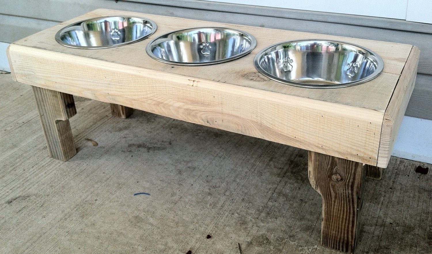 Reclaimed rustic pallet furniture dog bowl stand by Kustomwood