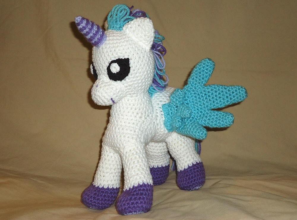 Rainbow Loom Amigurumi Unicorn : Horned Pegasus pattern - crochet unicorn pattern - winged ...