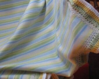 B-029  Striped Fleece Blanket