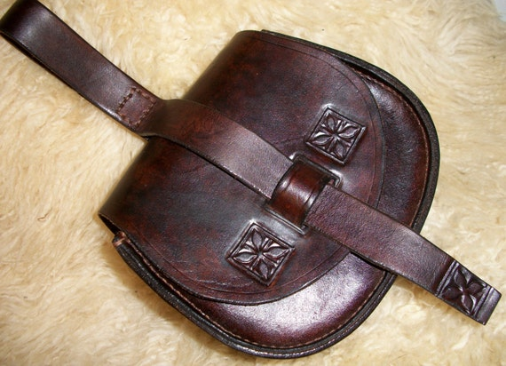 Leather pouch for re-enactment - The Happy Viking