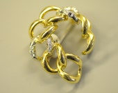 "18K Yellow Gold ""Chain Link"" Design Diamond Brooch.  Free Shipping in the U.S."