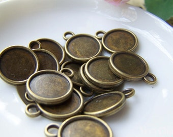 20 pcs of Antique Bronze Round  Base Settings Pendant Double Sided Match 12mm Cabochon A3533