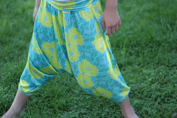 Holiday Harem pants pattern - PDF pattern - NB to size 12