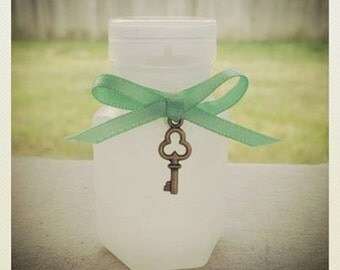 40 Wedding Bubble Bottles with Mint Green Ribbon and Bronze key charm