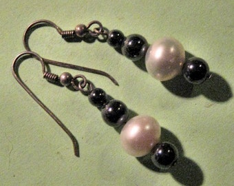 PEARL AND HEMATITE earrings