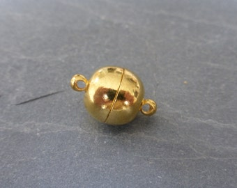 2 x Round Brass Magnetic Clasp in Gold, 15mm x 10mm, Craft Supplies, Clasps, UK Seller (FFC5014A)