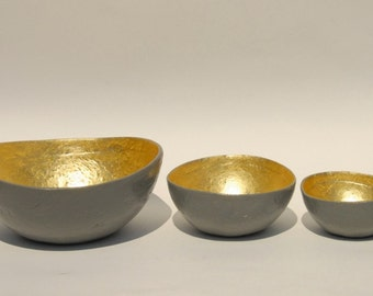 Bowl paper mache chelsea gray with gold leaf