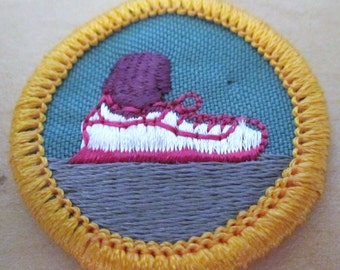 """Vintage Junior Girl Scout Badge""""Walking for Fitness"""" circa 1990"""