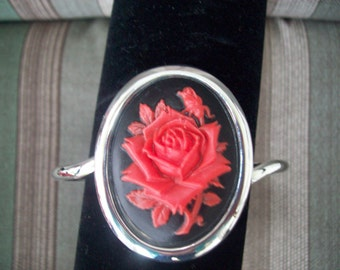 Big and Bold Black and Red Rose with Rosebud Cameo Bracelet