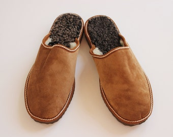 Men's Light Brown handmade house slippers, made with suede leather sheepskin and Fur for extra warm. The Cozy walking