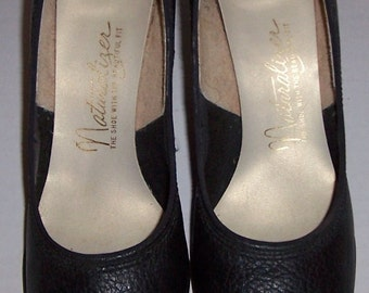 Vintage Naturalizer Ladies Black Leather Slender Fit Shoes SIZE 7.5 AAAA