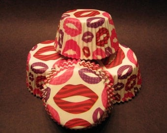 50 Premium Lovely Full Lips / Love Cupcake Wrapper/ Baking Cups/ Cupcake Liners
