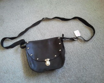 Black leather purse w/ slide closure