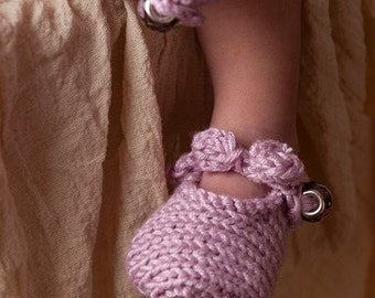 Soft Knit Baby Booties in Bamboo for Newborn, Photography Prop