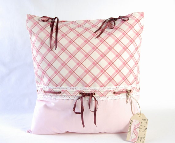 Country chic pillow cover / Living room decor / Shabby chic pillow cover / Pink pillow cover / Checked pillow cover / Fabric pillow cover