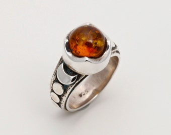 Amber 3 - Ring - Sterling Silver - Baltic Amber - Size 8.5