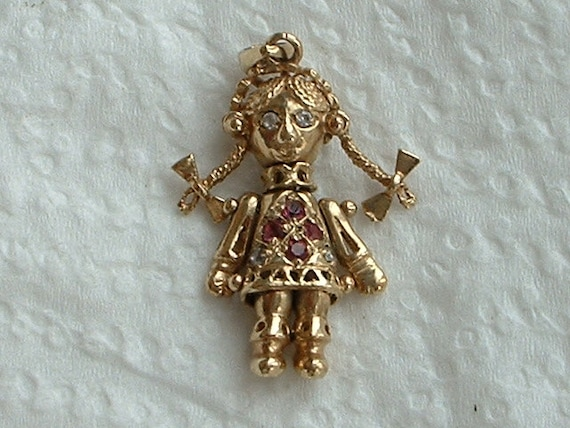 9ct gold jointed rag doll pendant