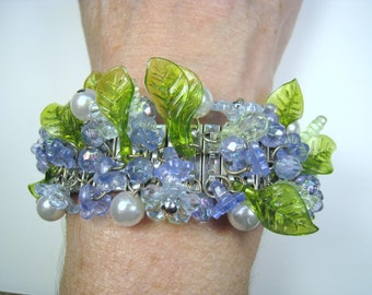 Flowers, Leaves, Beads & Faux Pearls Stretch Bracelet