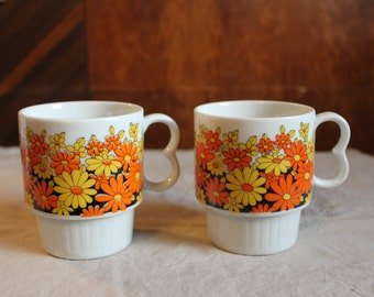 Retro Flower Mugs set of 2 Ceramic Vintage Cups Made in Japan