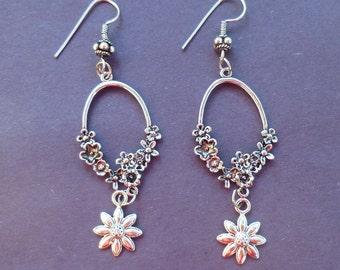 Floral Daisy Dangle Earrings  D005