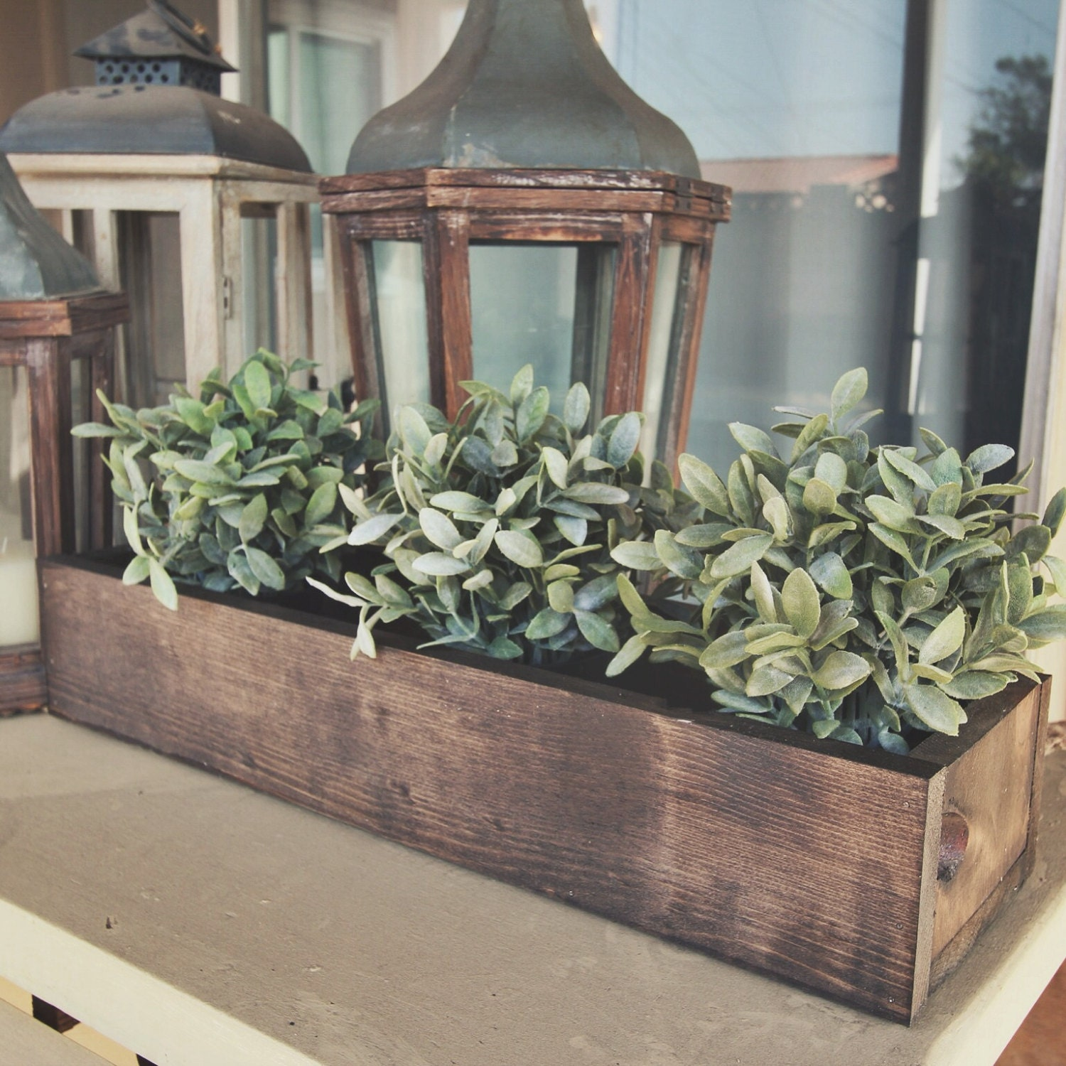 Rustic flower box table centerpiece 24 by mxowoodworking for Centerpieces for wood dining table