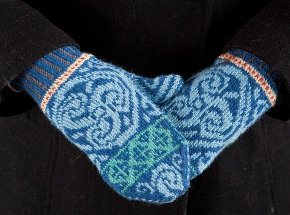 Digital Knitting Patterns : Celtic Medallion MIttens Digital Knitting Pattern PDF fair
