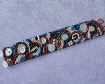 "Beadwork bracelet ""Buttons"""