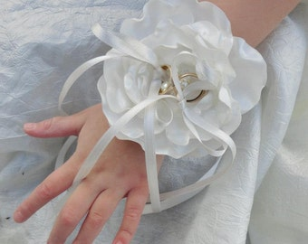 Bracelet porte alliances fleur de satin mariage mariée personnalisable Bracelet holder alliances Satin Flower Wedding Bridal customizable