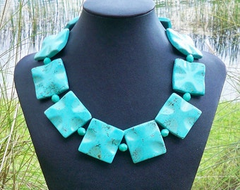 Mandie - Chunky 35mm Square Wavy Turquoise Gemstone Beaded Necklace - GORGEOUS