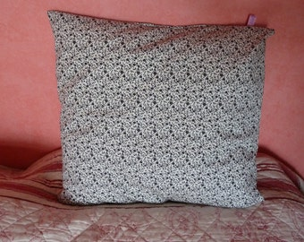 Cushion cover, liberty white and black