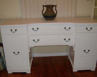 White Vintage Buffet Server Sideboard Media Console Credenza Perfect Changing Table for Nursey