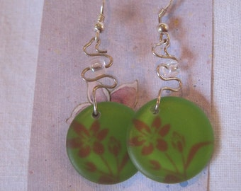 Curly Wired Green and Pink Flower Dangle Earring