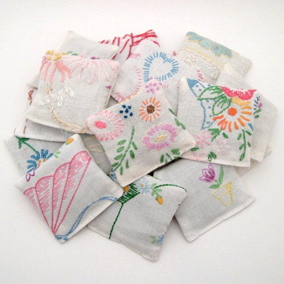 20 Dried Lavender Sachets - Embroidered Sachets - Wedding Favor