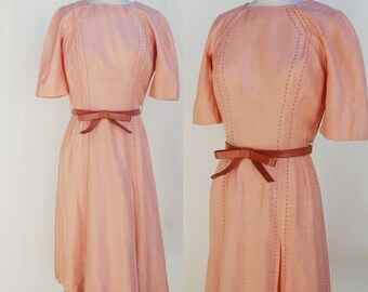 1940s peach stitched BOW fitted dress (xs)
