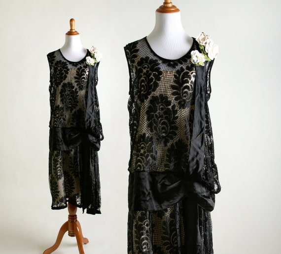 Vintage 1920s Dress Black Lace Formal Evening Cocktail Gown