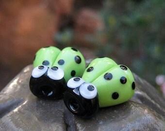 2pcs Ladybug Beads Handmade Lampwork Glass Bead Ladybird Green Beetle Google Eyes Luck Love Bug Charm Bracelets Premium Party SRA A