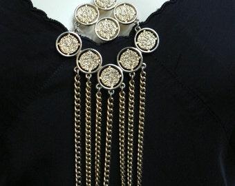 vintage 1960s mod goldtone pendant necklace/ 60s chunky necklace / mid century necklace