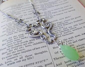 Art Nouveau Apple Green Necklace