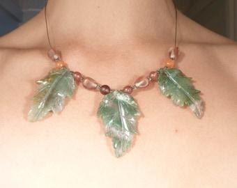 SALE --- Vintage Carved Moss Agate Leaves Necklace