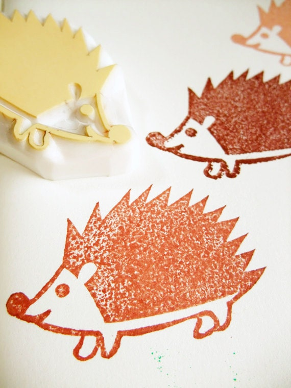 hedgehog hand carved rubber stamp. baby hedgehog stamp. woodland animal stamp. diy birthday christmas scrapbooking. baby shower crafts