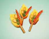 Wedding men lapel pins autumn boutineers yellow boutonnieres orange dried plant boutineers rustic boutinnere wedding groomsmen country style
