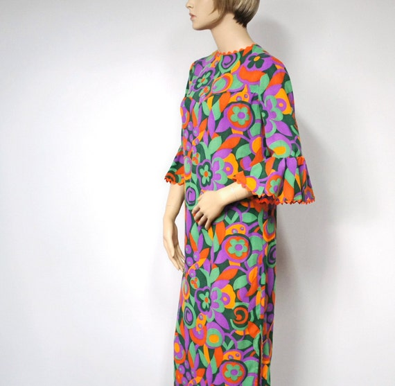 1960's Dress Vintage Granny Hippie Maxi Psychedelic Mod Wild Flower Child Women's Vintage Size Small