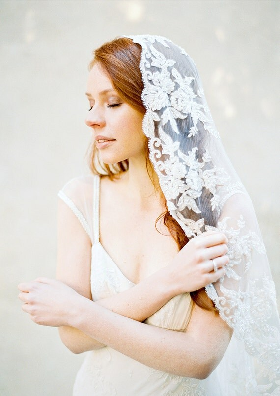 wedding veil ivory and champagne lace bridal mantilla veil hip